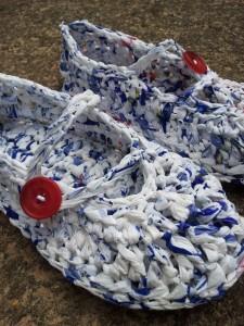 Plarn Crochet Slipper06 e1344238420937 225x300 Plarn Crochet Slippers