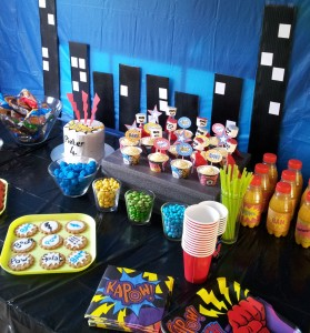 Superhero Pop Art Party Table Decoration