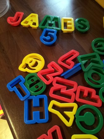 Using Cookie Cutters to Make Fondant Letters