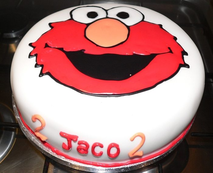 Elmo Cake Sesame Street 1 How to Make an Elmo Cake