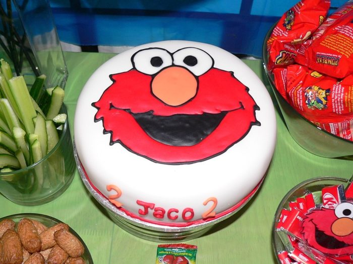 Elmo Party Sesame Street 7 How to Make an Elmo Cake