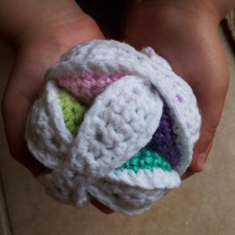 Mini Crochet Amish Puzzle Ball Pattern