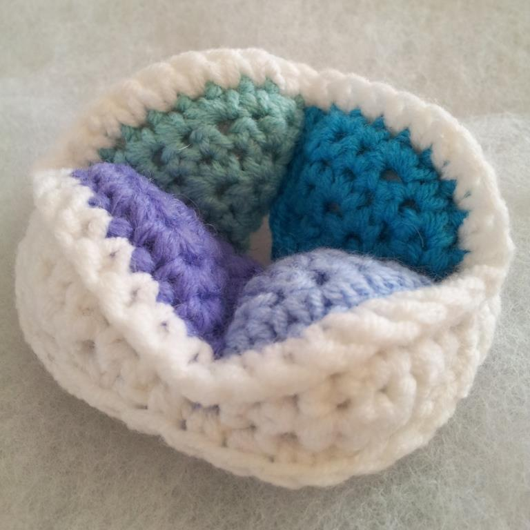 Mini Crochet Amish Puzzle Ball Segment Mini Crochet Amish Puzzle Ball
