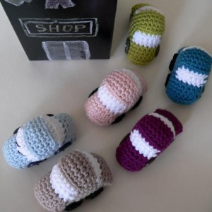 Tiny Crochet Cars {Free Pattern}
