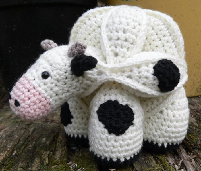 Amigurumi Puzzle Animals : Chloe the Crochet Cow Puzzle Look At What I Made