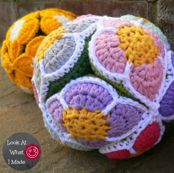 Crochet Flower Puzzle Ball Amamani