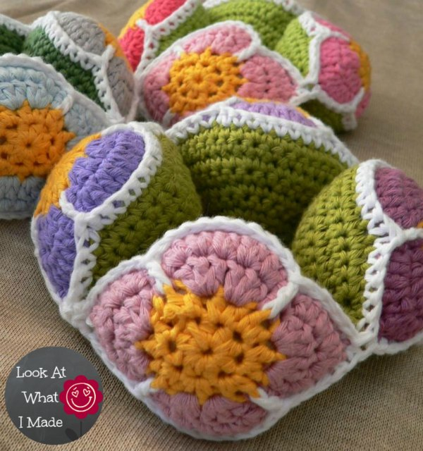 Crochet Flower Ball Pattern Amish Puzzle Ball ⋆ Look At