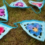Granny's Pansy – Crochet Bunting