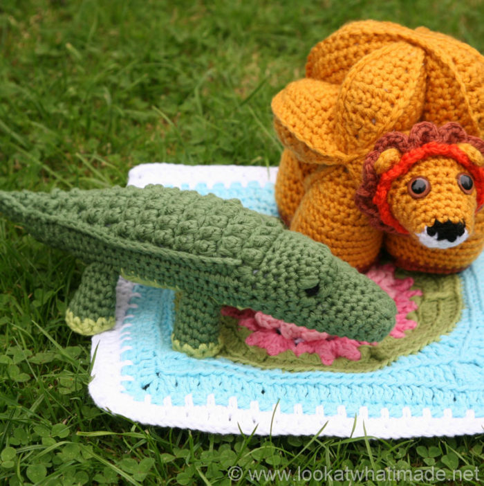 Colin the Crochet Crocodile {A Little Zoo Animal} ⋆ Look At What I Made