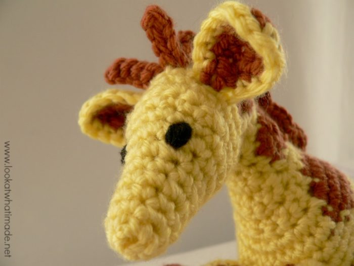 Gendry the Crochet Giraffe {A Free Little Zoo Pattern}