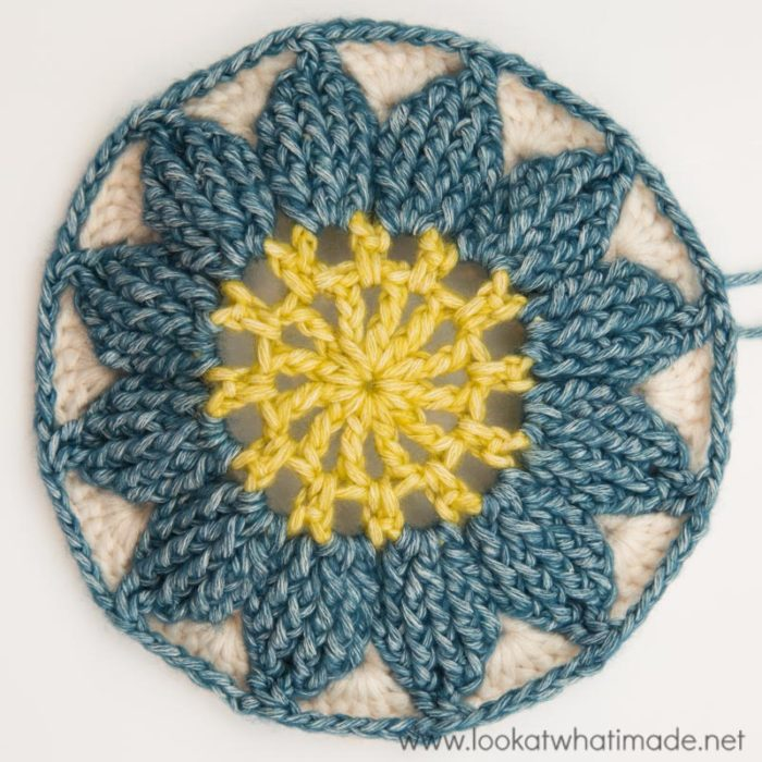 Large Crochet Square Charlotte