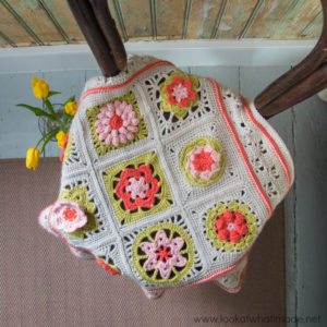 A Baby Blanket for Erin {Featuring 'Flowers Abound' Squares by Spincushions}