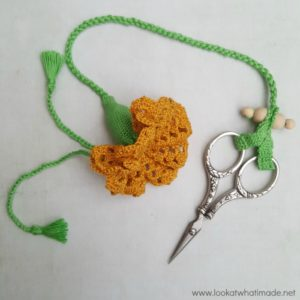 "Crochet Thimble and Scissor Keeper – ""Aunty Mary's Thing"""